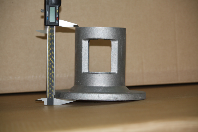 Hydraulic pump mounting bracket to small engines for log splitters
